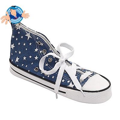 Astuccio a forma di scarpa da ginnastica
